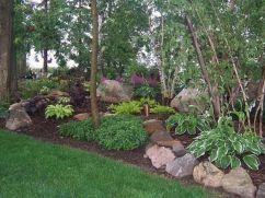 Great front yard rock garden ideas 20