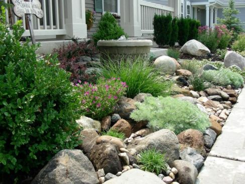 Great front yard rock garden ideas 23