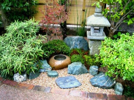 Great front yard rock garden ideas 26