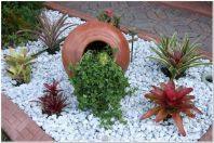 Great front yard rock garden ideas 30