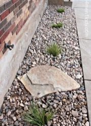 Great front yard rock garden ideas 37