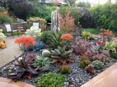 Great front yard rock garden ideas 41