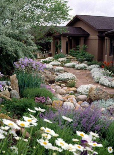 Great front yard rock garden ideas 49