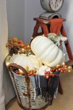 Modern diy autumn decorations to fall for this season 47