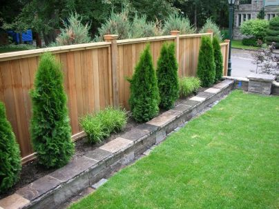 Popular privacy fence ideas 18