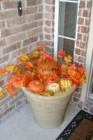 Pretty fall planters for easy outdoor fall decorations 06