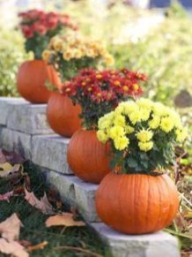 Pretty fall planters for easy outdoor fall decorations 32