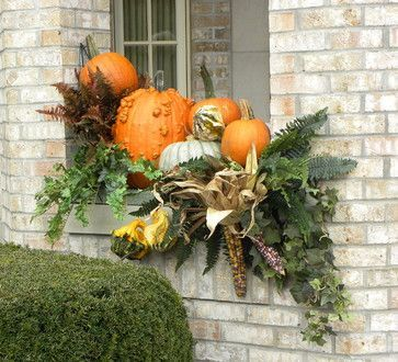 Pretty fall planters for easy outdoor fall decorations 49