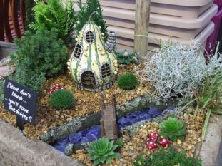 Stunning fairy garden decor ideas 13