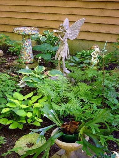 Stunning fairy garden decor ideas 23