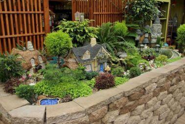 Stunning fairy garden decor ideas 34
