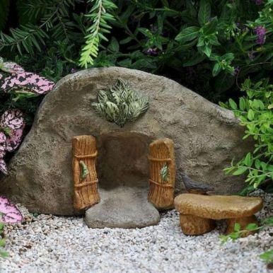Stunning fairy garden decor ideas 46