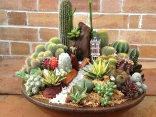 Stunning fairy garden decor ideas 54