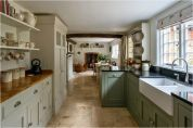 Stunning farmhouse kitchen cabinet ideas 14