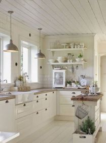 Stunning farmhouse kitchen cabinet ideas 20