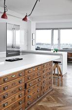 Stunning farmhouse kitchen cabinet ideas 23