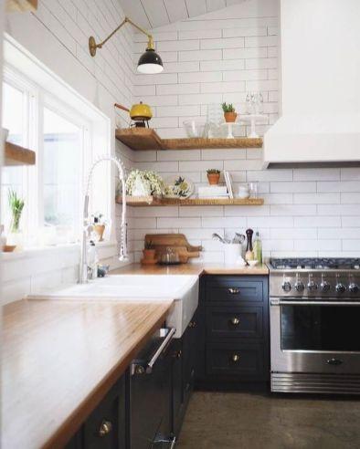 Stunning farmhouse kitchen cabinet ideas 29