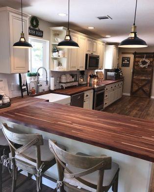 Stunning farmhouse kitchen cabinet ideas 40