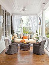 Fancy farmhouse fall porch decor and design ideas 08