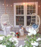 Fancy farmhouse fall porch decor and design ideas 11