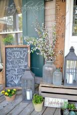 Fancy farmhouse fall porch decor and design ideas 23