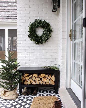 Fancy farmhouse fall porch decor and design ideas 47