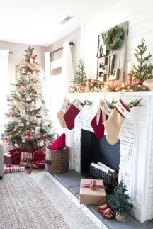 Fascinating christmas tree ideas for living room 23