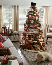 Fascinating christmas tree ideas for living room 27