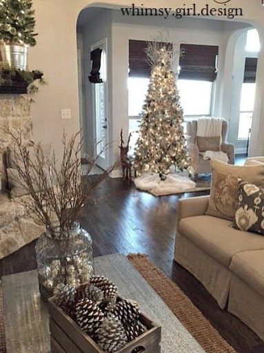 Fascinating christmas tree ideas for living room 34