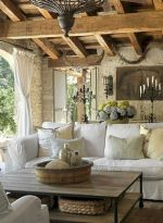 Magnificient farmhouse fall decor ideas on a budget 14