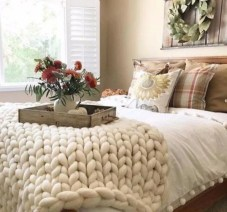 Magnificient farmhouse fall decor ideas on a budget 38