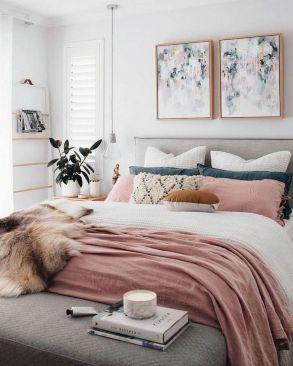 Minimalist master bedrooms decor ideas 31