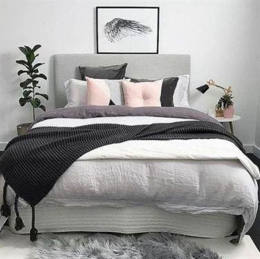 Minimalist master bedrooms decor ideas 41
