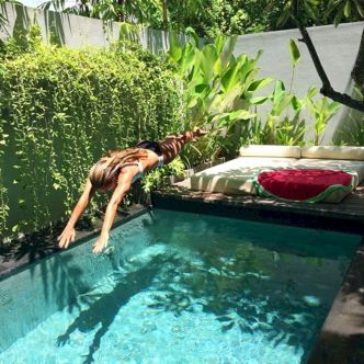 Minimalist small pool design with beautiful garden inside 16
