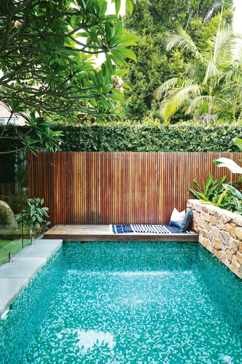 Minimalist small pool design with beautiful garden inside 20