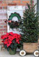 Perfect diy front porch christmas tree ideas on a budget 12