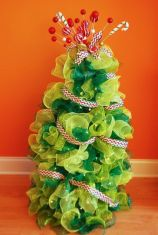 Perfect diy front porch christmas tree ideas on a budget 19