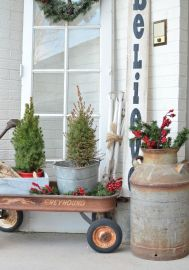 Perfect diy front porch christmas tree ideas on a budget 20