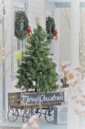 Perfect diy front porch christmas tree ideas on a budget 26