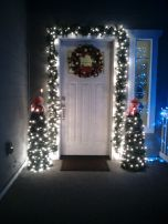 Perfect diy front porch christmas tree ideas on a budget 31