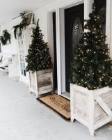Perfect diy front porch christmas tree ideas on a budget 44