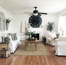 Romantic rustic farmhouse living room decor ideas 41