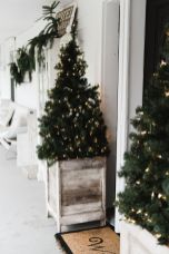 Stunning diy front porch christmas tree ideas on a budget 02