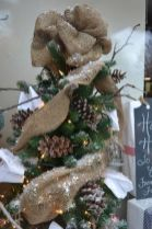 Stunning diy front porch christmas tree ideas on a budget 03