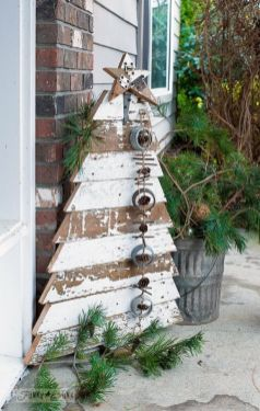 Stunning diy front porch christmas tree ideas on a budget 07