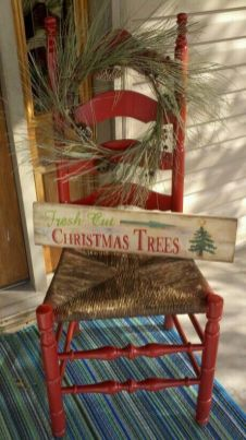 Stunning diy front porch christmas tree ideas on a budget 18