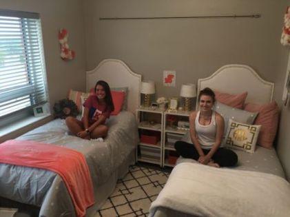 Stylish cool dorm rooms style decor ideas 25