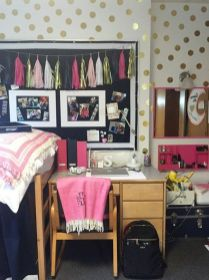 Stylish cool dorm rooms style decor ideas 48