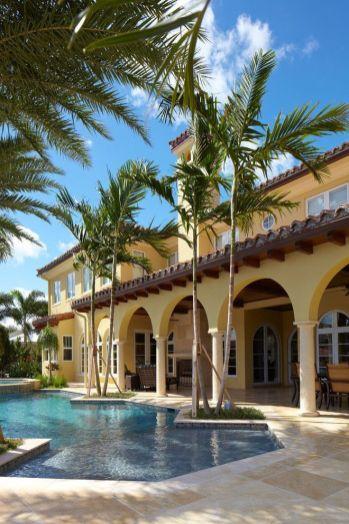 Beautiful mediterranean patio designs ideas 31