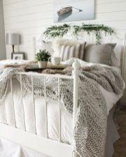 Casual vintage farmhouse bedroom ideas 01
